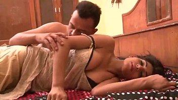Муж ебет чернокожую любовницу и болтает по телефону с супругой