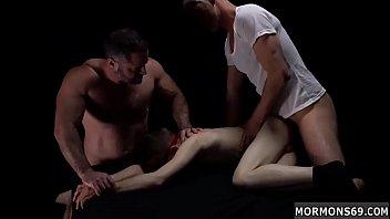 Выпивший сын на кухне приболтал на секс грудастую бухую мамулю
